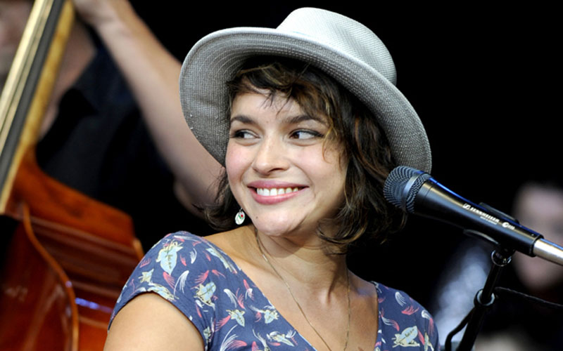 norah-jones-oct-2011-cr-tim-mosenfelder-640