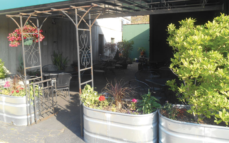 Northside-Grill-patio-guide