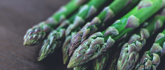 Food-Poppers_-Edible-foraging---stock-asparagus-bunch-bundle-539431